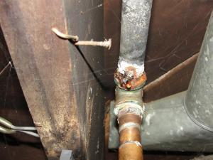Leaking-galvanized-pipe | Knoxville Repipe