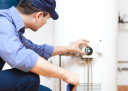 Knoxville TN Water Heater Check with Plumber